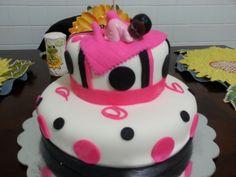 Baby Shower Cake by bananayummies.com