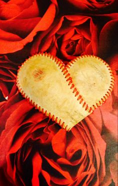 Baseball Heart Valentine's Day Gift Idea Sports by ShabbyWorks Valentines Day Hearts, Valentines Diy, Valentine Day Gifts, Baseball Snacks, Baseball Pitching, Softball Crafts, Girls Softball, Sports Gifts, Sports Decor