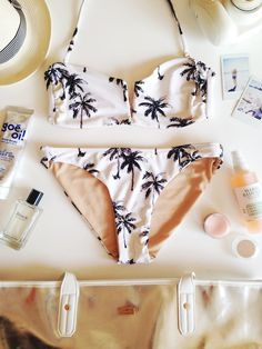 Spring Break Beach Must-Haves Glitter Guide