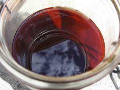 Cet article présente la méthode pas à pas pour fabriquer un macérat huileux de grande qualité pour des besoins médicinaux ou cosmétiques.