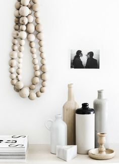 When I was in Amsterdam, I noticed there were lots of shops selling large strings of wooden beads, used as decoration around the home. Estilo Interior, Home Interior, Interior Styling, Interior Decorating, Interior Goods, Kitchen Interior, Prop Styling, Little Designs, Scandinavian Home
