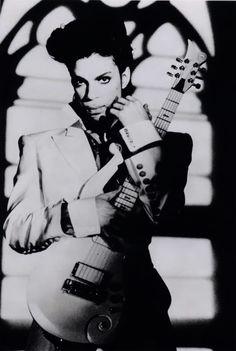 Post your favorite (black & white) Prince Photos...