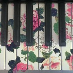 roses on the keyboard...so shabby!
