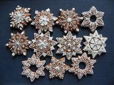 sněhové vločky a hvězdy