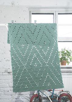 Ideas Knitting Patterns For Women Shawl Yarns Crochet Motifs, Crochet Blanket Patterns, Filet Crochet, Baby Blanket Crochet, Crochet Stitches, Knitting Patterns, Crochet Carpet, Crochet Table Runner, Crochet Home Decor