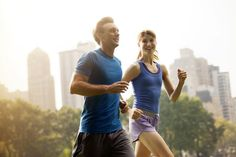 If you're an advanced beginner runner, this half marathon training schedule is geared toward your needs and experience level. Half Marathon Training Schedule, Training Plan, Training Programs, Marathon Plan, Beginners Guide To Running, Running Tips, Running Schedule, Start Running, Knee Operation