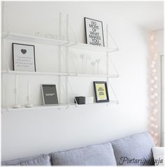 EKBY JÄRPEN/ EKBY GÄLLÖ | Aika massiivinenhan tämä on meidän keittiön Stringiin verrattuna ... Decor, Room, Home Wall Decor, Interior, Roomspiration, Home Decor, White Walls, Interior Design, Shelving