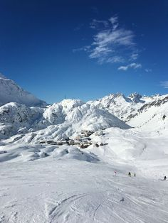 A GREAT place to ski and Aprés all day in St. Anton, Austria! MarlaMeridith.com #travel #ski #austria