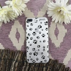 Cute little paws. Brand new designs on our website. LINK IN BIO #instadaily #instamood #iphone #phonecase #samsung. Phone case by Gocase http://goca.se/gorgeous