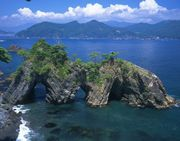 Rikuchu-kaigan Coast in the east of Iwate is a shoreline with a variety of scenic beauty along the Pacific Ocean between Kuji and Kesen'numa in Miyagi, and is a part of the Rikuchu Kaigan National Park. Th