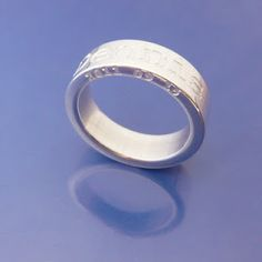 Namering in sterlingsilver. Deep engraving, both on ring, and on the side!