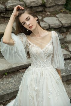 La Fiancée 2019 – Vestidos para noivas leves e românticas Dream Wedding Dresses, Bridal Dresses, Wedding Gowns, Flower Girl Dresses, Pretty Dresses, Beautiful Dresses, Romantic Dresses, Beautiful Clothes, Beautiful Bride