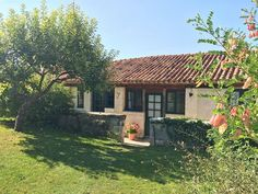 Cottages in Aubeterre, Charente, Poitou Charente, France. Book direct with private owner. FR3053