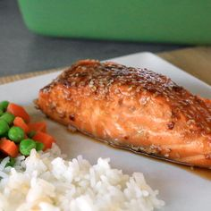 Our sesame garlic baked salmon recipe is so quick and easy—it's the perfect combination of spicy and sweet and a super healthy meal. - Everyday Dishes & DIY (Perfect Baking Salmon)