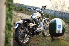 Enfield Motorcycle, Scrambler Motorcycle, Enfield Classic, Cafe Racer Magazine, Trial Bike, Moto Style, Royal Enfield, Bike Design, Custom Bikes