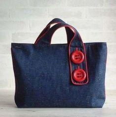 Patchwork Bags Quilted Bag Jean Purses Purses And Bags Sewing Jeans Bolsas Jeans Kotlar Recycled Denim Fabric Bags Red Tote Bag, Denim Tote Bags, Denim Purse, Hobo Bag, Artisanats Denim, Sewing Jeans, Sacs Design, Denim Handbags, Denim Crafts