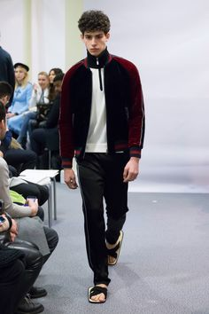 See the complete Lucien Pellat Finet Fall 2017 Menswear collection.