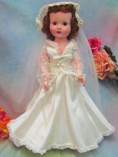 VINTAGE 1950 ROBERTA DOLL Company SLW Bride doll HARD PLASTIC original gown MIB
