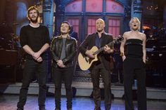 The Hunger Games Mockingjay Cast Sings on SNL #snl #thehungergames