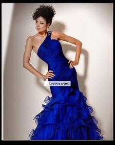 Mais um lindo modelito azul!