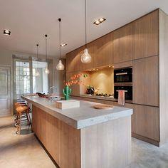 My Kitchen Rules, Home Decor Kitchen, Kitchen Furniture, Kitchen Interior, Beautiful Kitchens, Cool Kitchens, Sweet Home, Wooden Kitchen, New Home Designs