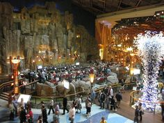 Waterfall at Mohegan Sun casino! This casino has Earth, Wind, Fire and Water sections in the Casino. It's absolutely breath-taking! Places To Travel, Places To Visit, River Blue, Indoor Waterfall, Earth Wind, Travel And Leisure, Weekend Trips, Ancestry, Connecticut