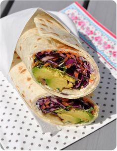 Rotkohl-Wraps, Karotten und Avocado-For 4 Wraps 2 Weizentortillas . Vegetarian Wraps, Vegetarian Appetizers, Healthy Wraps, Appetizer Recipes, Vegetarian Recipes, Wrap Recipes, Veggie Recipes, Tahini, Lunch Wraps