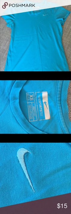 Nike Sports Tee Nike Dri Fit. Gently used condition. Nike Tops Tees - Short Sleeve