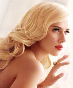 Classic and vintage beauty by Scarlett Johanson