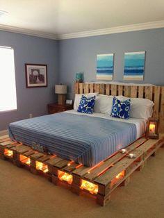 Diy Pallet Bed, Wooden Pallet Furniture, Wooden Pallets, Recycled Pallets, Pallet Headboards, Recycled Wood, Headboard Frame, Pallet Bedframe, Outdoor Pallet