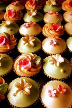 Plumeria cupcakes