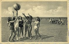 ac85549a6230cfb74201ae77864d7669 Villa, The Past, Photos, Printables, Painting, Vintage, Women, Beach Games, Cards