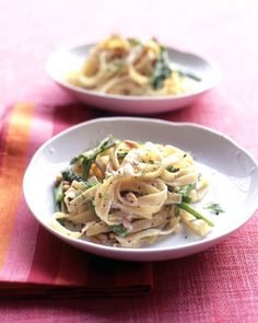 creamy fettuccine with asparagus Add the asparagus to the pot of boiling water with the fettuccine during the last five minutes to cook both vegetable and pasta at once. Goat cheese melts into the hot pasta with grainy mustard and dill to create a creamy, tangy sauce.