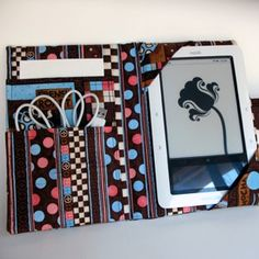 iPad and eReader cases by Crochele
