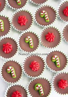 Holiday Peanut Butter Chocolate Meltaways V @ NancyCreative.com