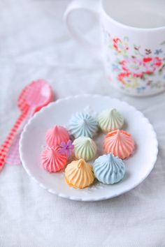 Playing With Food: May Meringues.  I love the bright colors and the simplicity of the recipe.  Would like to try these