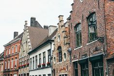 Belgium | Brugge and Brussels // well traveled couple