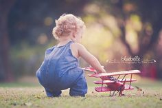 """LearnShootInspire.com """"one a day"""" goes to Blue Belle Photography on Facebook! #child #photography"""