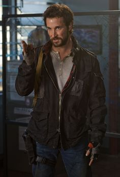 TNT have announced that they have ordered a third season of their epic drama Falling Skies. Falling Skies from executive producer Steven Spi. Falling Skies, Sci Fi Movies, Movie Tv, Seychelle Gabriel, Noah Wyle, Sci Fi Tv Series, Sky Tv, Kristin Kreuk, Movie Facts