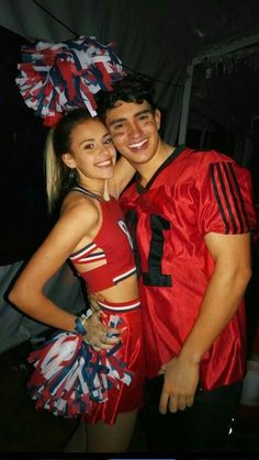 Cute and Unique Halloween Costume Ideas for Women 2018 Cute Cheerleader Halloween Outfit Ideas for Couples – lindas ideas de disfraces de halloween para mujeres – www. Creative College Halloween Costumes, Unique Couple Halloween Costumes, Trendy Halloween, Creative Costumes, Halloween Halloween, Halloween Recipe, Halloween Makeup, Women Halloween, Halloween Customs