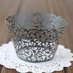 SODIAL 12X Filigree Vine Cake Cupcake Wrappers Wraps Cases Wedding Birthday Decorations Ivory White R