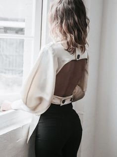 Find images and videos about fashion, beautiful and style on We Heart It - the app to get lost in what you love. Mode Chic, Mode Style, Style Me, Elegantes Outfit Frau, Fashion Details, Fashion Design, Fashion Trends, Fashion Lookbook, Fashion Bloggers
