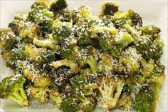 Roasted Broccoli with Parmesan. I hate broccoli but this sounds like it might not be too bad Baby Food Recipes, Cooking Recipes, Healthy Recipes, Simple Recipes, Healthy Dinners, Healthy Options, Summer Recipes, Vegetable Side Dishes, Vegetable Recipes