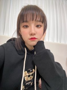 South Korean Girls, Korean Girl Groups, Beautiful People, Beautiful Women, Photography Filters, Asian Celebrities, Cube Entertainment, Soyeon, Extended Play