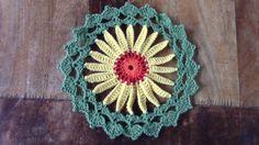 Haken - tutorial: eenvoudige mandala - YouTube Granny Square Tutorial, Crochet Granny, Crochet Flowers, Crochet Earrings, Make It Yourself, Blog, How To Make, Youtube, Crocheting