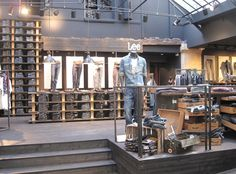 "Lee, ""stretch deluxe"", Store Entrance, pinned by Ton van der Veer"