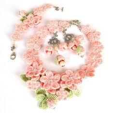 VENTE boucles doreilles fleur rose pâle boho roses
