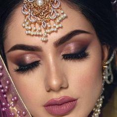 68 new Ideas eye makeup bridal indian hair Bride Eye Makeup, Wedding Eye Makeup, Indian Wedding Makeup, Indian Bridal Makeup, Indian Eye Makeup, Hair Makeup, Arabic Makeup, Hair Wedding, Party Makeup