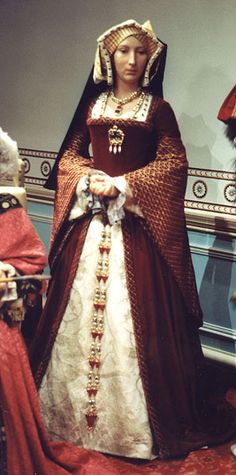 Madame Tussaud's figure of Jane Seymour, who was Queen of England from 1536 to 1537 as the third wife of Henry VIII Dinastia Tudor, Los Tudor, Tudor Fashion, Renaissance Fashion, Tudor History, British History, Uk History, Asian History, History Facts