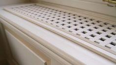 Villa Lake Maggiore – White wooden chest